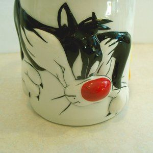 Collectible Looney Tunes 3D Mug
